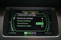 Prostoročno telefonijo omogočajo tudi druge avtomobilske znamke - ta na sliki denimo pripada Audiju ...
