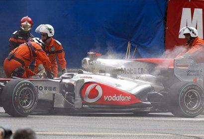 Buttonov McLaren Mercedes je hitro izdihnil.