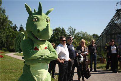 Odprtja se je udeležil tudi ljubljanski župan Zoran Jankovič, skupaj z zmajčkom, ljubljansko maskoto