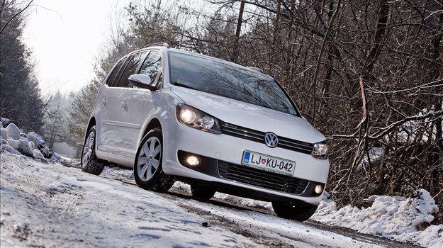 Volkswagen touran je na trgu prisoten že od leta 2003. Na testu smo imeli že njegovo drugo prenovljeno različico, ki ni prinesla zgolj sveže podobe, ampak tudi nekaj uporabnih izboljšav.