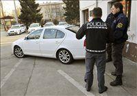 Specializirana enota za nadzor prometa v Ljubljani ima tri avtomobile, ki so opremljeni z video-nadzornim sistemom Provida.