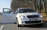 Določene prekrške je z neoznačenim avtomobilom lažje izslediti, toda policista sta nam priznala, da mnogi vozniki njuno octavio RS že prepoznajo.