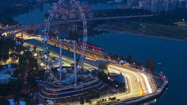 V koledarju svetovnega prvenstva formule ena je letos 19 postaj, po odpovedi dirke v Bahrajnu pa se je tekmovanje začelo v Avstraliji.