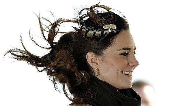 Čeprav je Kate Middleton trenutno najbolj vroča debata v modnih krogih, je oblikovalec Matthew Williamson povedal, da ga oblikovanje poročne obleke za Kate sploh ne zanima.