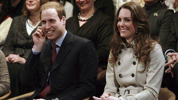 Poroka princa Williama in Kate Middleton sledi tradiciji, ki sta jo spoštovala tudi princ Charles in pokojna princesa Diana. Njuno poročno slavje bomo lahko slišali na samostojnem albumu.