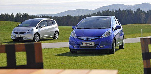 Honda jazz hybrid je prvi hibridni avtomobil tega segmenta pri nas. Mali Hondin enoprostorček je tako dobil novo, še varčnejšo različico, ki utegne privabiti kakšnega novega kupca.