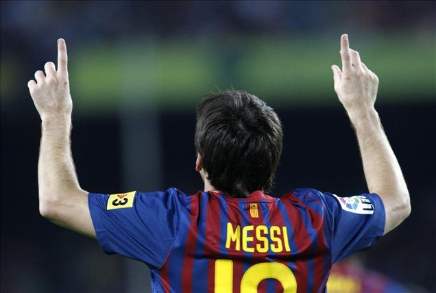 Lionel Messi lovi rekord.