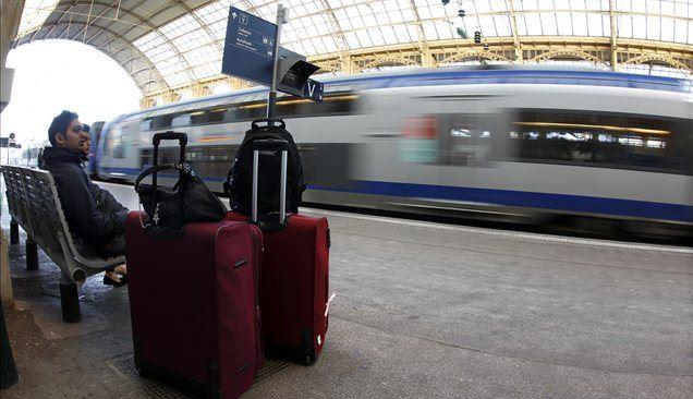 Vlak velja za enega najbolj ekološko osveščenih prevoznih sredstev in ga uporablja vse več ljudi, številni od njih pa se žal ne zavedajo pravic, ki jih imajo kot potniki.