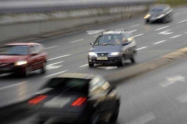 Državno cestno omrežje vse bolj poka po šivih, denarja pa je iz leta v leto manj.