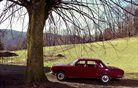 Ruska volga GAZ 24 spominja na romantične čase avtomobilizma