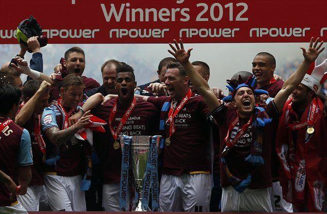 Nogometaši West Ham Uniteda so se vrnili med elito angleškega klubskega nogometa.