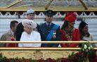 Elizabeta II. ob diamantnem jubileju z barko po Temzi