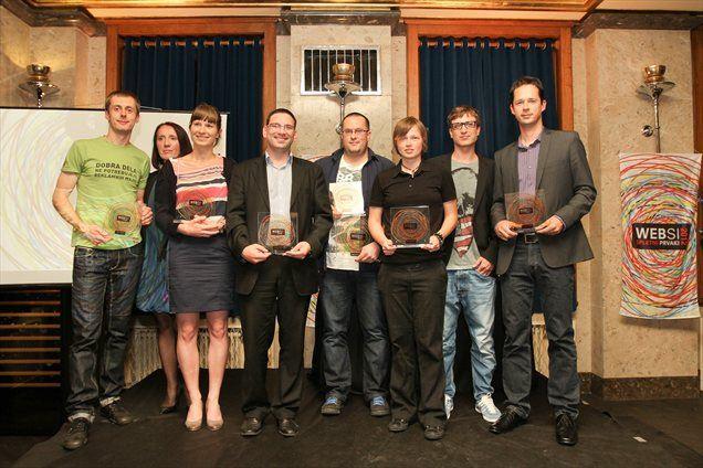Zmagovalci WEBSI - Spletnih prvakov 2012; Na desni strani vodja Službe za marketing TSmedia, Mitja Jereb