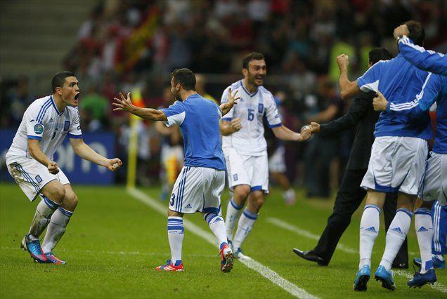 Poteka tekme Grčija : Rusija in Češka : Poljska: