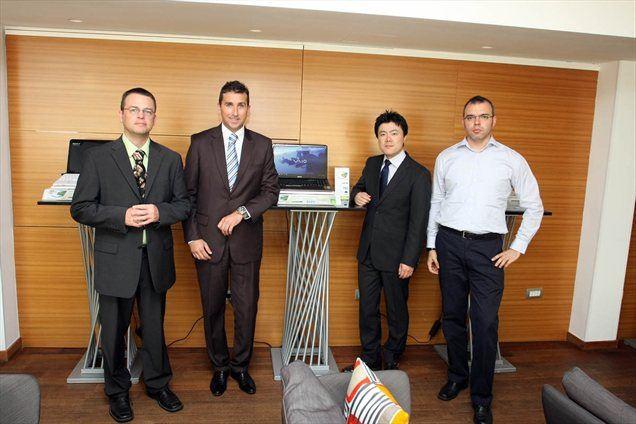 V ljubljanski kavarni Sputnik je Sony Slovenija predstavil nove modele VAIO E in S ter jih danes tudi uradno ponudil slovenskim kupcem.