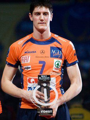 Matevž Kamnik je bil leta 2010 na zaključnem turnrirju lige prvakov v Lodžu izbran za najboljšega bolkerja turnirja. ACH Volley je takrat osvojil četrto mesto.