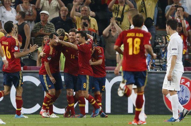 Veselje Špancev po drugem zadetku.
