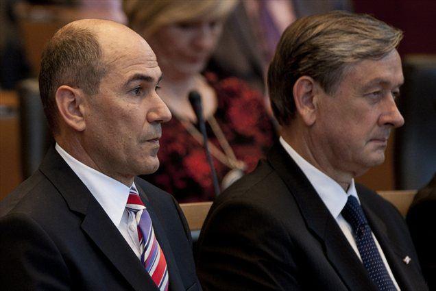 Janša ugotavlja, da je bilo imenovanje Türka za glavnega govornika edina napaka pri tej proslavi, saj da je večina članov organizacijskega odbora za govornika predlagala njega kot predsednika vlade.