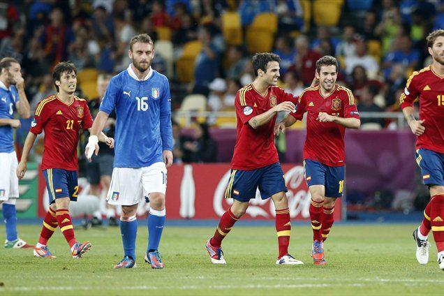 Španija se je tretjič povzpela na evropski prestol.