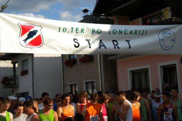 Tekači na štartu lanskega Teka po Lončariji.