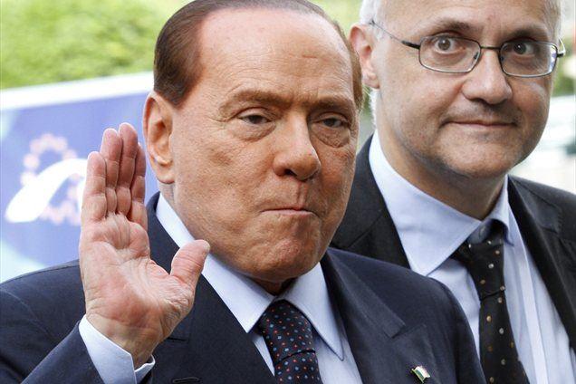 Nekdanji italijanski premier Silvio Berlusconi se je odločen na parlamentarnih volitvah spomladi prihodnje leto na čelu desnosredinskega zavezništva znova potegovati za položaj predsednika vlade.