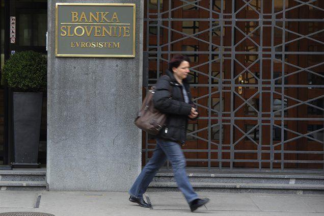 Šircelj: Posojila odobravajo bankirji, če pa so podlegli sugestijam ali predlogom, so s tem prevzeli tveganja. Nadzornik posojilne aktivnosti bank je Banka Slovenije.