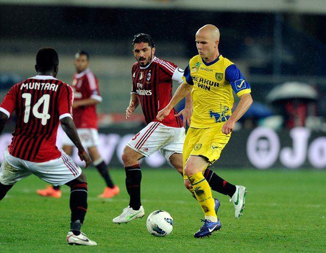 Ameriški reprezentant Michael Bradley, ki je na SP 2010 igral proti Sloveniji, se iz Verone seli v Rim.
