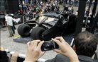 Batmobil na premieri filma The Dark Knight Rises v Mexico Cityju. Foto: Reuters