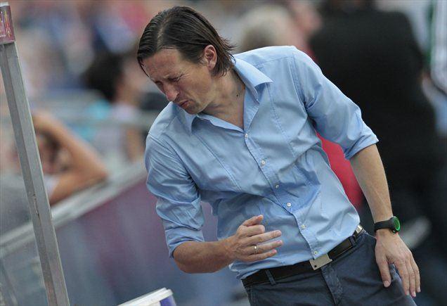 Razočarani trener Salzburga Roger Schmidt.
