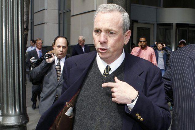 Skupaj z Lynnom je bil obtožen tudi duhovnik James Brennan.