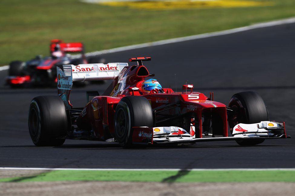 Alonso je VN Madžarske končal pred Jensonom Buttnom in Markom Webbrom, drugouvrščenim v seštevku.