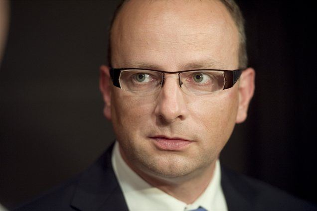 """""""Za nujne ukrepe, ki bi vplivali na zajezitev padanja bonitetnih ocen Slovenije bi bil potreben konsenz vse slovenske politike. Sicer bi jih vladna koalicija že izpeljala,"""" meni Žerjav."""