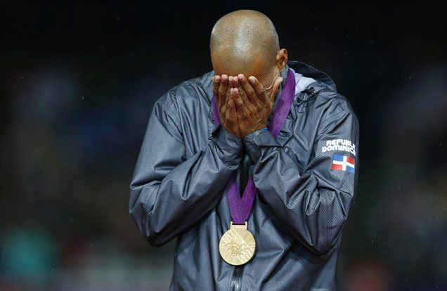 Ob poslušanju himne Dominikanske republike je planil v jok.