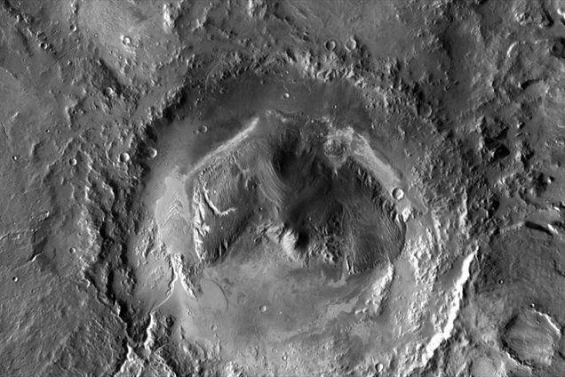 Krater Gale: prvi stik Radovednosti z Marsom