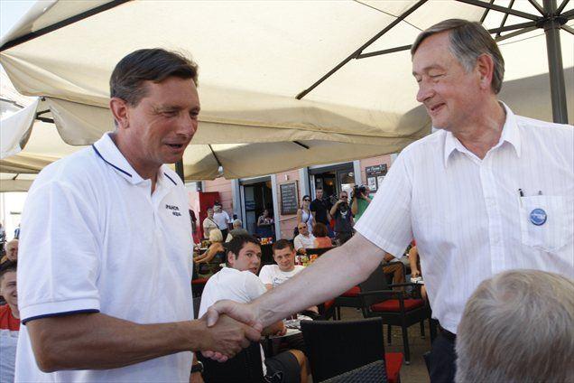 Predsedniška kandidata Borut Pahor in Danilo Türk sta v Mariboru pospremila začetek zbiranja podpisov podpore za kandidaturo na predsedniških volitvah, ki bodo 11. novembra.