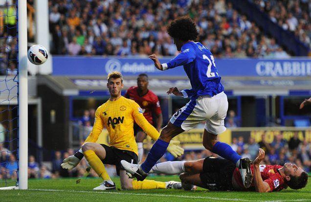 Belgijec Marouane Fellaini je 'ukradel šov' na tekmi med Manchestrom Unitedom in Evertonom.