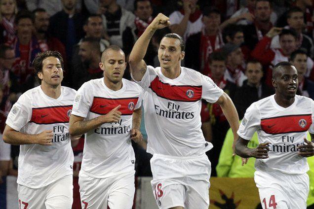 Zlatan Ibrahimović je z dvema goloma poskrbel za zmago PSG nad Lillom.