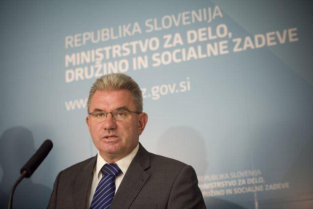 Minister za delo, družino in socialne zadeve Andrej Vizjak