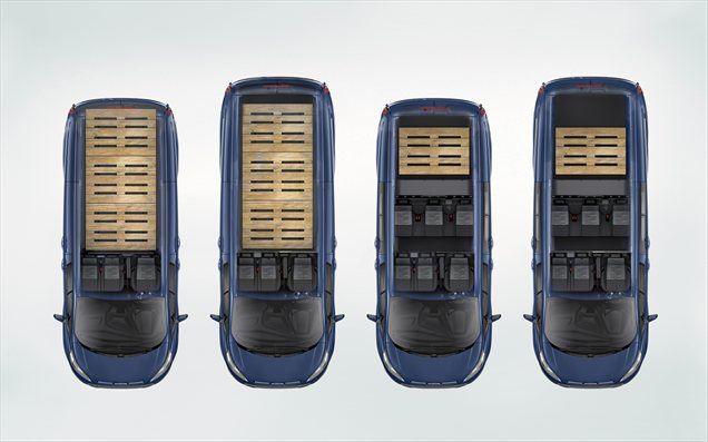 Pri razvoju tehničnih inovacij za kar najbolj učinkovito uporabo transita so ekipo inženirjev, ki je skrbela za tovorni prostor, poslali neposredno med uporabnike tega Fordovega dostavnika prejšnjih generacij. Podjetniki so jim zaupali svoje prevozne težave, pomisleke in zahteve iz vsakdanje dostavniške oziroma obrtniške prakse in tako so v novinca vgradili kar nekaj zanimivih inovacij, povezanih s prevozom tovora.