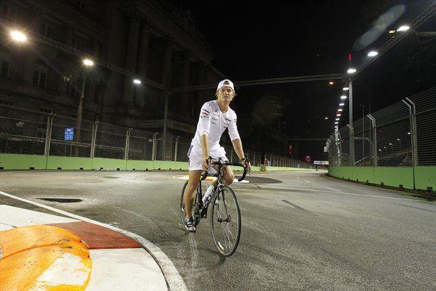 Nico Rosberg in kolegi na Malajskem polotoku ostajajo na evropskem ritmu.