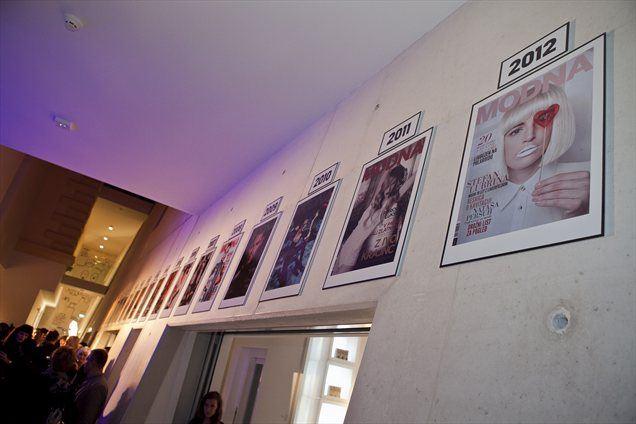 Ob polnoletnosti revije Modna so pripravili tudi razstavo njenih naslovnic.