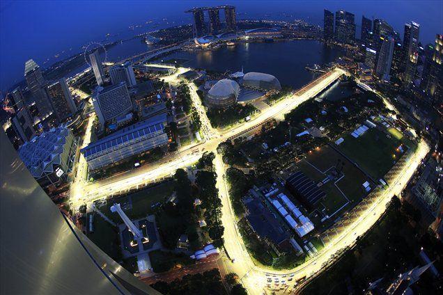 Ulice zaprte, luči prižgane. V petek se začenja peta VN Singapurja.