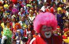 Klovni na sejmu smeha. Foto: Reuters
