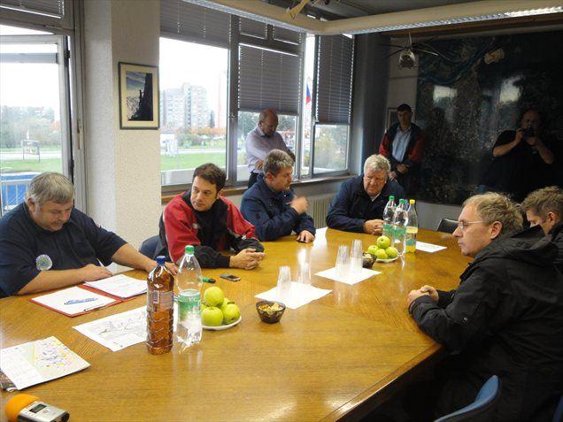 Minister za obrambo Aleš Hojs obiskal zaradi poplav prizadet Kanal ob Soči
