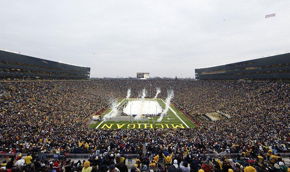 Rekordna obiskanost znaša prek 100.000 navijačev.