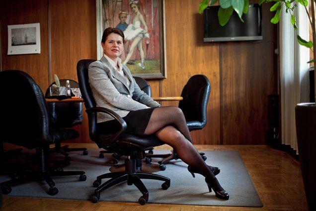 V mesecu dni bi morali na mizi imeti rešitve, na vprašanje o razpletu politične krize in iskanju novega mandatarja odgovarja predsedujoča Pozitivni Sloveniji Alenka Bratušek.