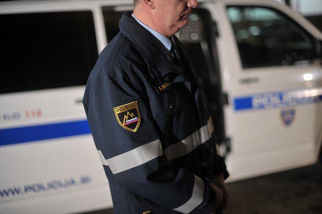 Policija išče očividce prometne nesreče, ki se je zgodila včeraj, 2. aprila, okoli 13.30 v semaforiziranem križišču v Spodnjih Hočah.