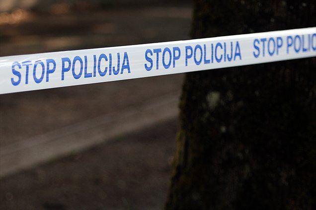 Hrvaška policija je prijela tri Slovence, ki naj bi v petek zjutraj pred klubom v Umagu povozili 23-letnega Slovenca, ki se sicer še vedno zdravi.