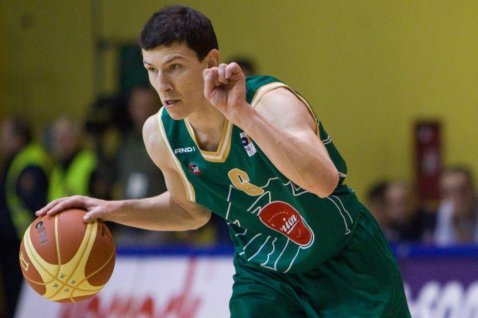 Vlado Ilievski bo nosil dres Nymburka.
