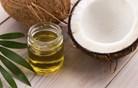 Proti neprijetnim vonjavam pod pazduho s kokosovim oljem